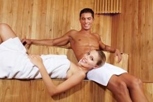 Couple dans un sauna